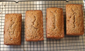 Four_loaves_of_sourdough_Banana_Bread